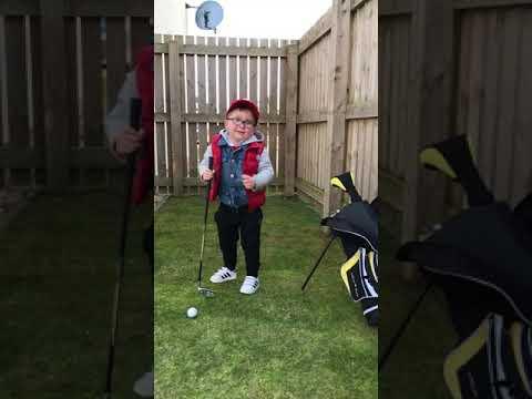 Keep your eye on the ball noel 🏌🏻♂️⛳️🤣🤣🤣🤣.  Little prankster 🤭   Instagram @noel_hopkins