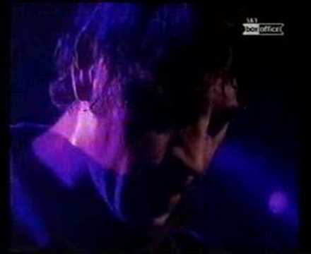 Oasis - Slide Away (Live @ Glasgow Barrowlands 2001)