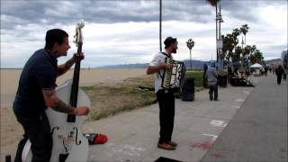 "D. ON DAROX & The MELODY JOY BAKERS ""Movin On"" on the Venice Boardwalk"