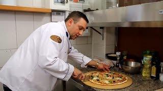 Jak zrobić pizzę w domu taką jak z pizzerii. Przepis zdradzony przez Szefa Kuchni. MENU Dorotki.