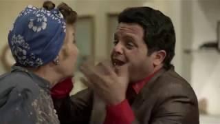 لما أمك تعمل فيك مقلب وتتقمص شخص مهم فى الدولة عشان تجبلها طلبات هتموت من الضحك 😂 #مسلسليكو