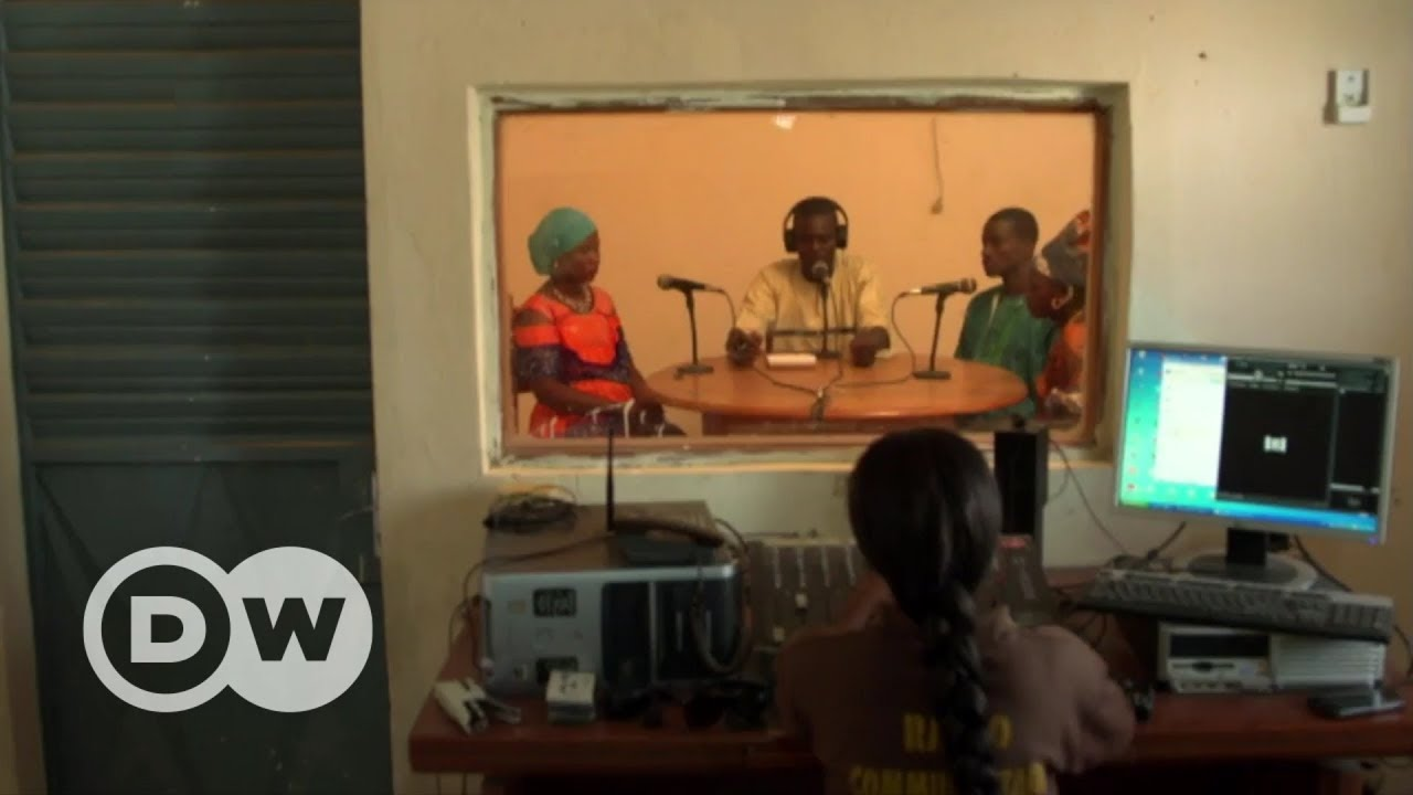 Senegal: Listening instead of looking away | DW English