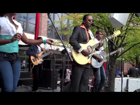 Joan Soriano, Live at Navy Pier, World Music Festival Chicago 2010, Bachata