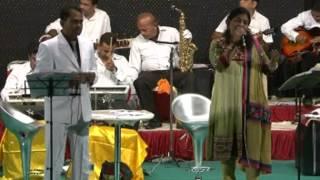 Ye Kisne Geet Cheda - Film - Meri Surat Teri Aankhe ( Mukesh & Suman) Ashok Shastri