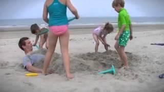 Quut Scoppi Sand Scoop Sku #866556 - Magic Cabin