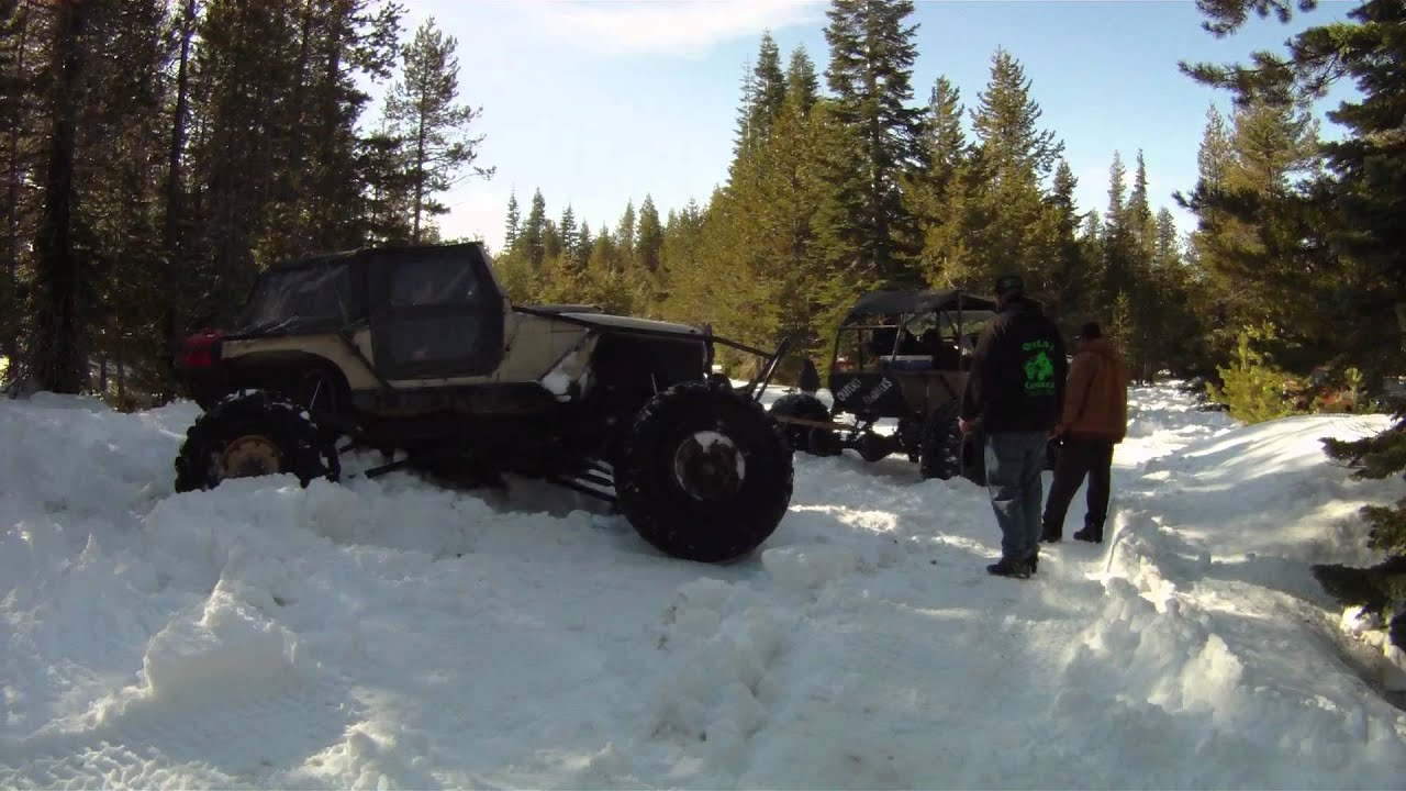 Snow Wheelin 40 Inch Tires Jeep Pulled Out Youtube