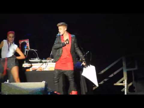 Justin Bieber/ Believe Tour/ Foro Sol/ Mexico City/ Love me like you do 18.11.13♥ HD