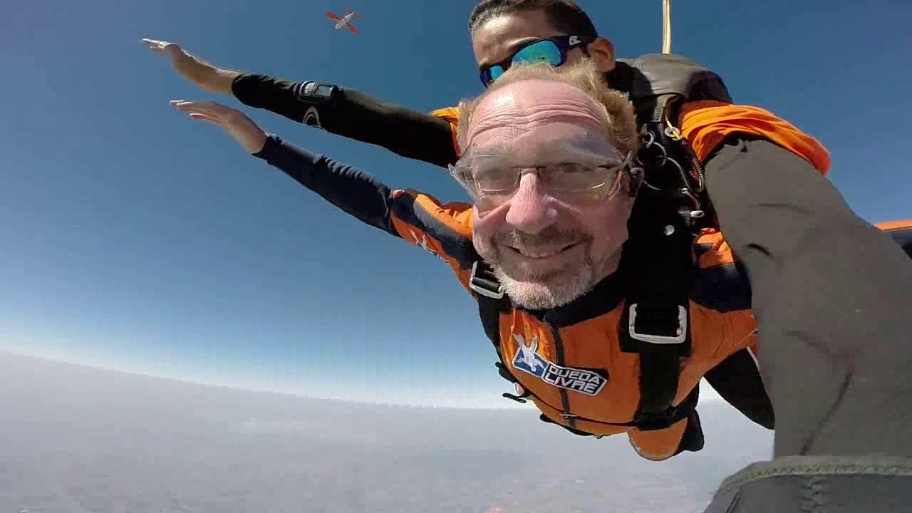 Salto de Paraqueda do Mauricio P na Queda Livre Paraquedismo 31 07 2016