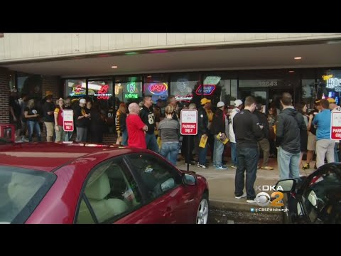 Hundreds Attend Steelers Pregame Party At Kansas City Bar