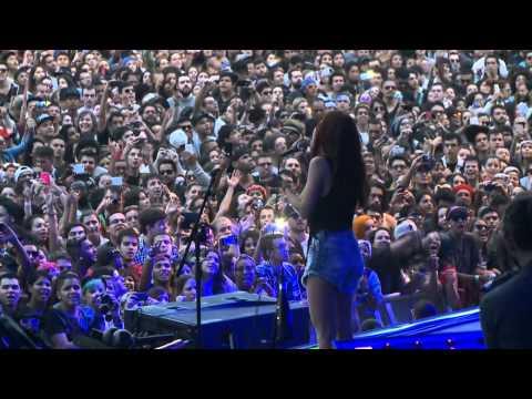 Pitty- (Me adora) HD Lollapalooza 2015