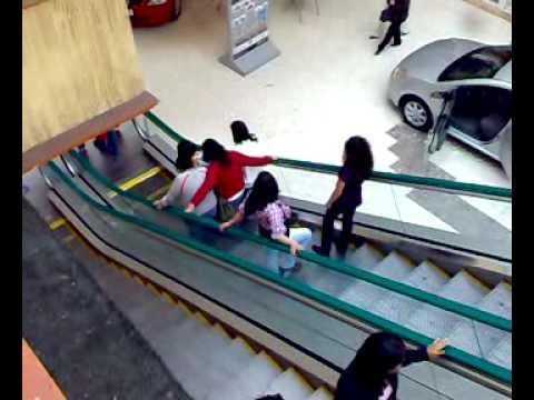 Como Parar Las Escaleras Electricas Youtube