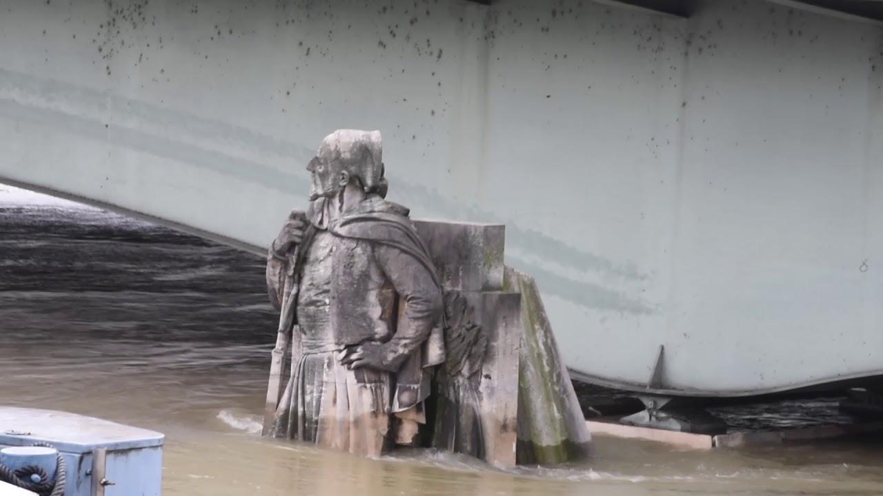 Zouave Du Pont De L Alma Crue De La Seine A Paris Janviers 2018