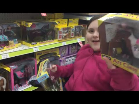Toy Hunt At Toys R Us!