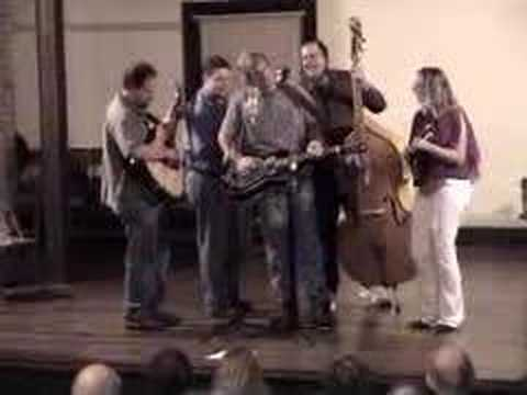 "Lisa Kay & the Reunion Bluegrass Band playing ""Rich Girl"""