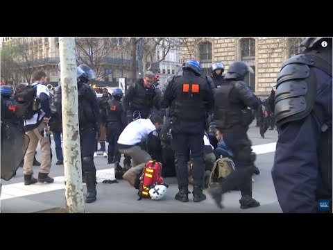 Police officer suffers cardiac arrest in middle of gilets jaunes protests