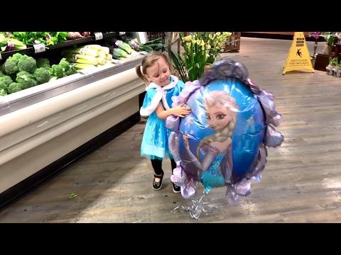 Baby Disney Frozen Elsa Shopping at the Supermarket | Let It Go Song | Popular Songs for Children
