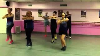 Gambar cover Dance Fitness...Chammak Challo by Akon & Hamsika Iyer