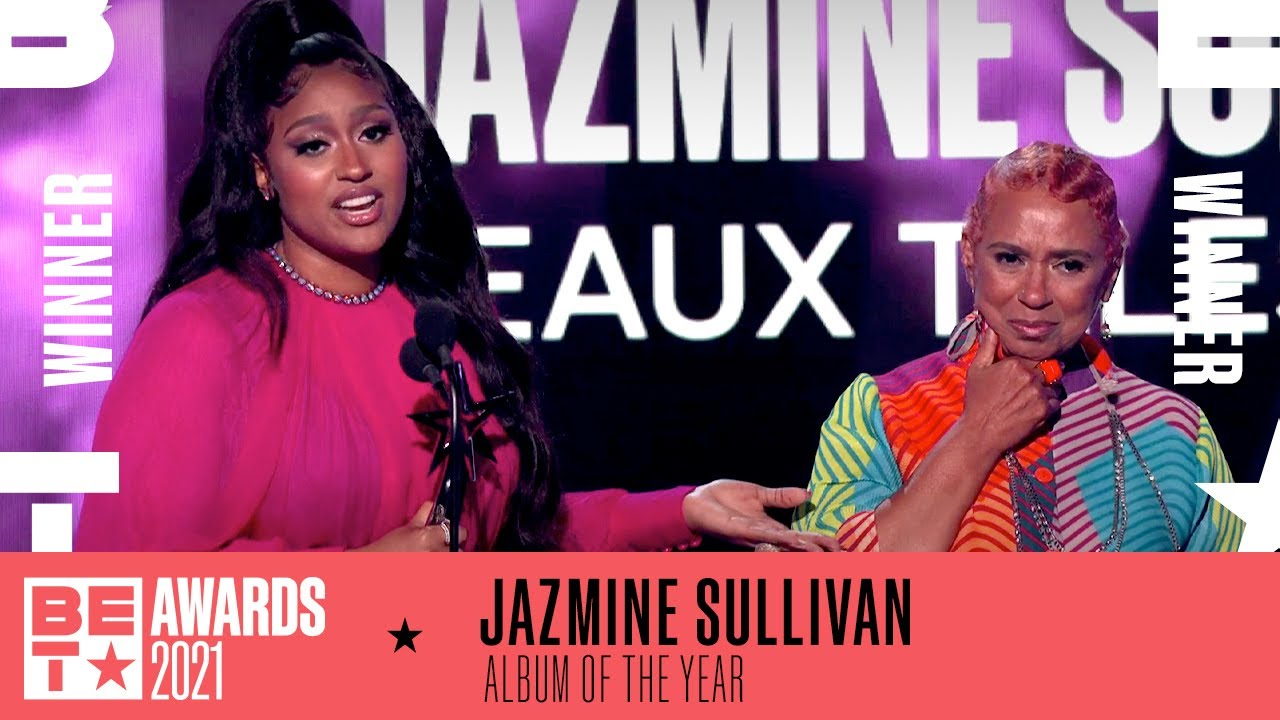 Jazmine Sullivan & Her Mother Accept Album Of The Year For 'Heaux Tales' | BET Awards 2021