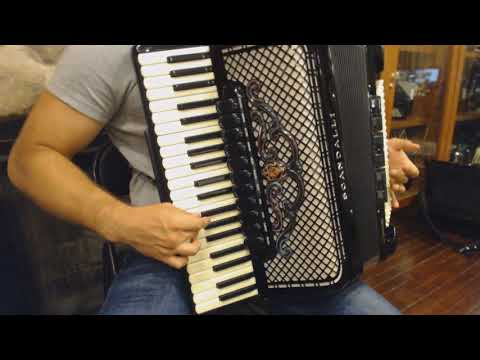 How to Play Balkan Music on Piano Accordion - Lesson 5 - Grace Notes and Balkan Trills
