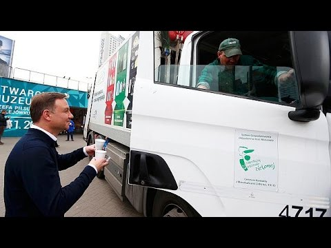 Poland's new president Duda serves public - quite literally