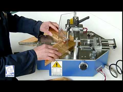 Framing machine F1000 - YouTube