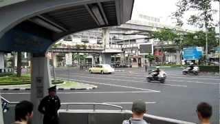 Repeat youtube video Thai Royal Family Motorcade