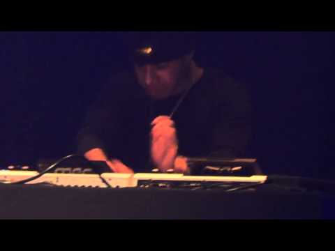 AraabMuzik @ La Machine du Moulin Rouge, Paris - March 7, 2013 [FULL CONCERT]