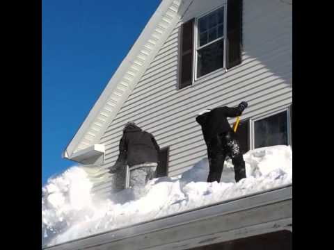How To Remove Snow From Flat Roof Youtube