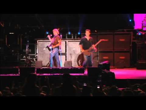 Nickelback - Animals ( Live at Sturgis 2006 ) 720p