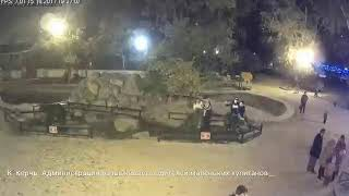 Керчь. Малолетние вандалы попались в объектив камеры(, 2017-10-26T14:36:39.000Z)
