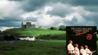 The Clancy Brothers & Tommy Makem - Carrickfergus (live)