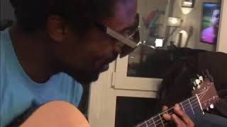 Baixar SHADES acoustic on the couch