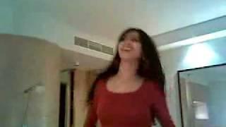 Hot Iraqi Girl Dancing to Dali Song