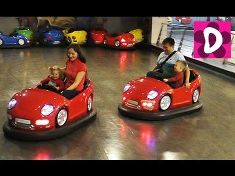 ✿ Катаемся на Машинках Indoor Playground Family Fun for Kids Indoor Play Area Playroom with Balls
