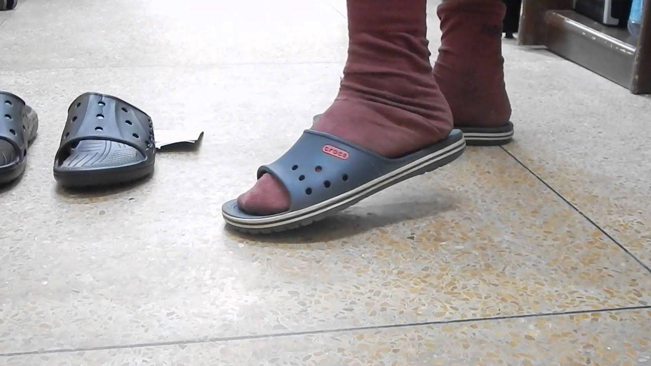 Crocs Baya slide black review - YouTube