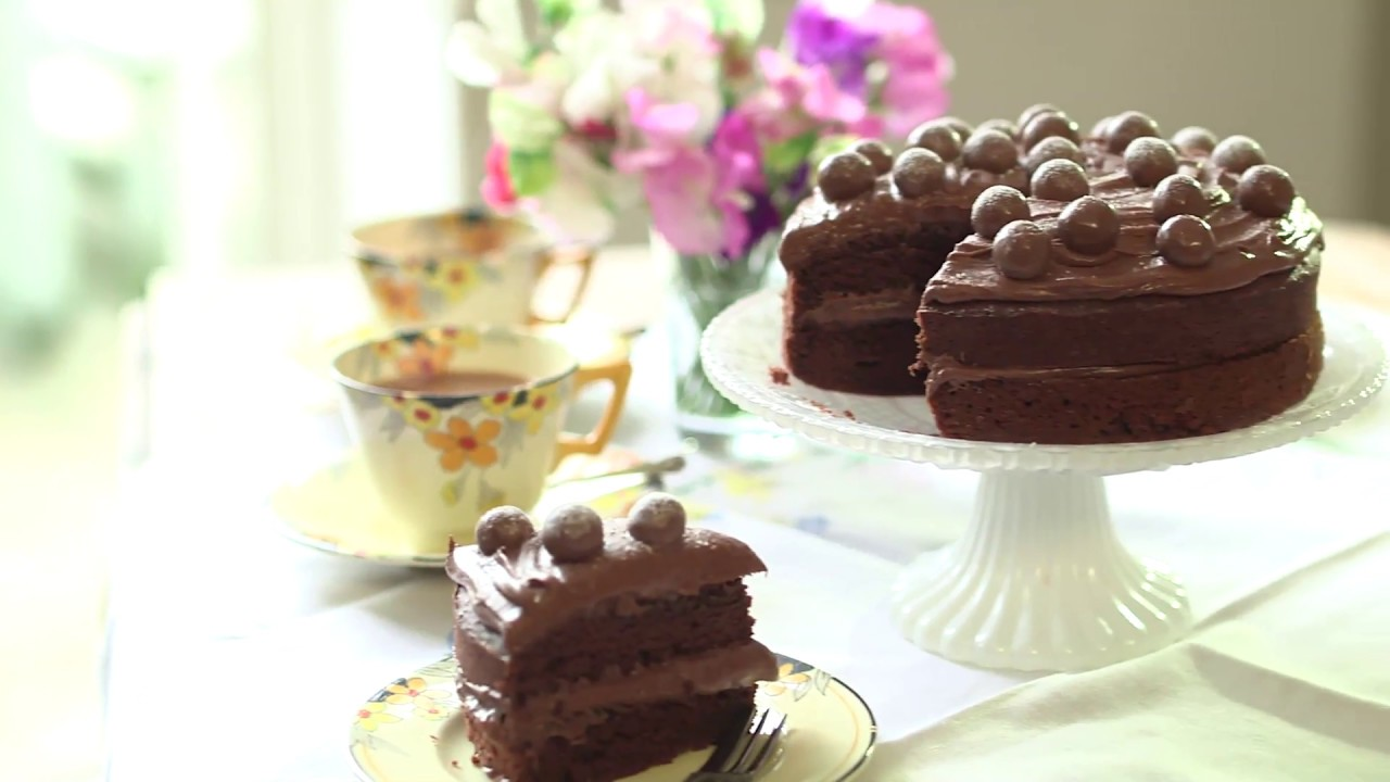 Devil S Food Cake Recipe Mary Berry