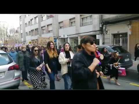 Milleiros de persoas participan na manifestación do 8-M en Pontevedra