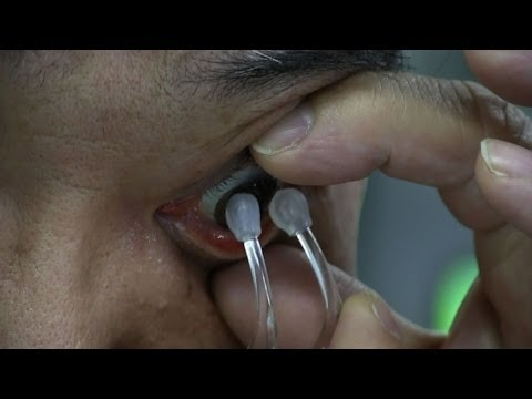 Inserting and Removing Soft Contact Lenses without Touching the Fingers #Diginfo