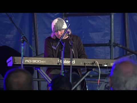 Badly Drawn Boy - Silent Sigh (live at Lakefest - 13th August 17)