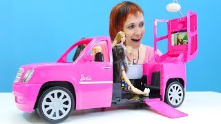 Видео для девочек - Барби и подружки - Распаковка нового джипа