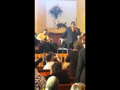 Alton Hollis & Pratrick Hollis Ministering (wave my hand)