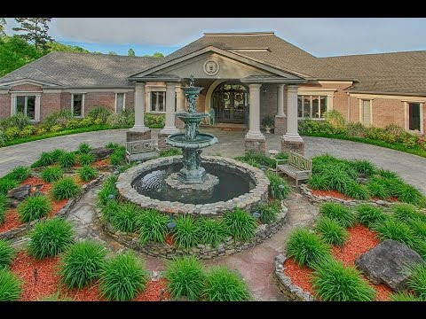Elegant Waterfront Living in Hixson, Tennessee