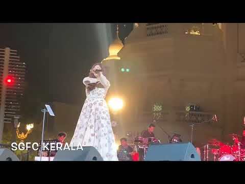 Shreya Ghoshal Singing Ghar More Pardesiya From Kalank In Bollywood Park Dubai