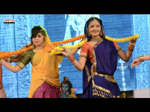 Gopikamma Song Dance Performance - Mukunda Audio Launch Live - Varun Tej, Pooja Hegde