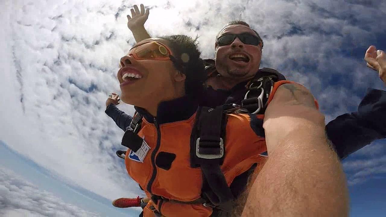 Salto de Paraquedas da Raquel na Queda Livre Paraquedismo 15 01 2017