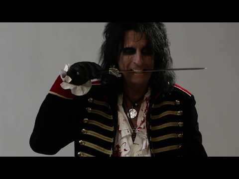 Alice Cooper - Behind the Scenes of a