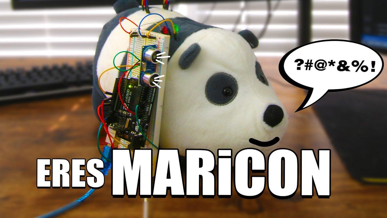 ESTÚPIDO PANDA de Escandalosos ROBOT
