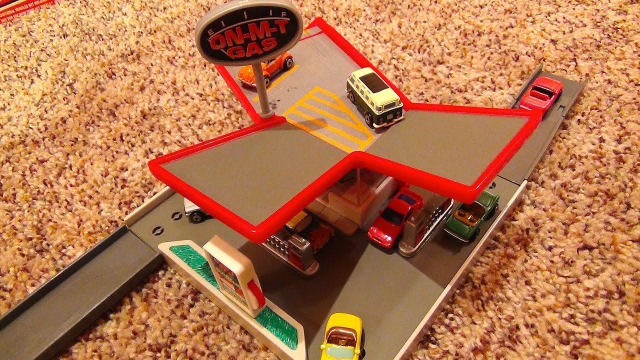 I Need A Gas Station >> Micro Machines On-M-T Gas Station Hiways & Byways Playset by Galoob Toys - YouTube