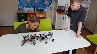 Битва роботов-муравьев на Lego-робототехнике в 5 классе.