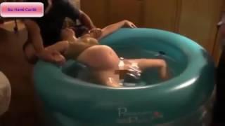 Live !!! Ibu Hamil Cantik Melahirkan Normal di Dalam Air
